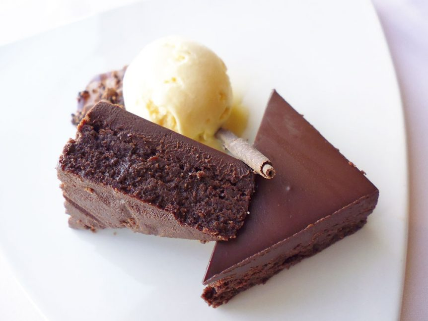 Chocolate is a confusing topic... is it good or bad for you? Does chocolate give you spots or help stop them? Can chocolate make the condition of your skin worse or better? Click here to find out the answers once & for all (you might be surprised what you learn!)http://wp.me/p6LuQS-13z